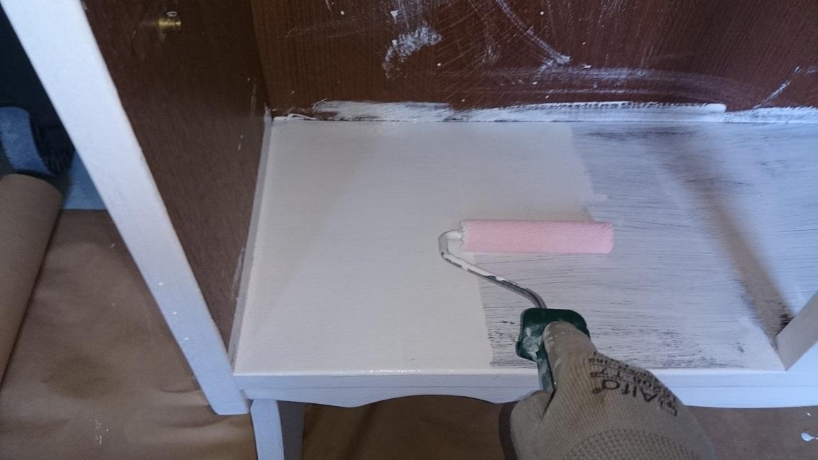 Como pintar un mueble oscuro en blanco envejecido finest for Como pintar un mueble oscuro en blanco envejecido