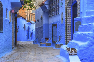 Street-with-stairs-in-Medina-of-Chefchaouen